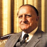 School founder, Leon MacLaren
